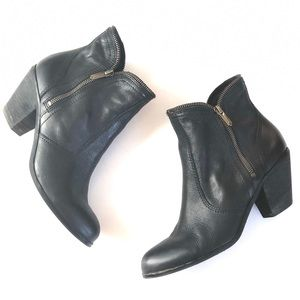 Sam Edelman Black Leather Ankle Bootie Zipper